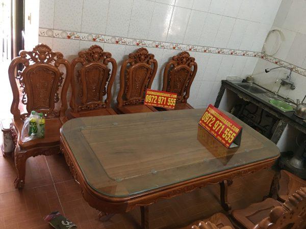 bàn ăn hình chữ nhật