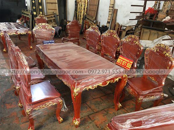 bàn ăn hoàng gia dát vàng